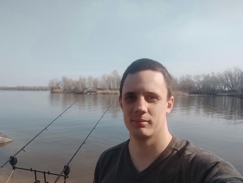 Знакомства Днепродзержинск, фото мужчины Ваня, 26 лет, познакомится для флирта, любви и романтики