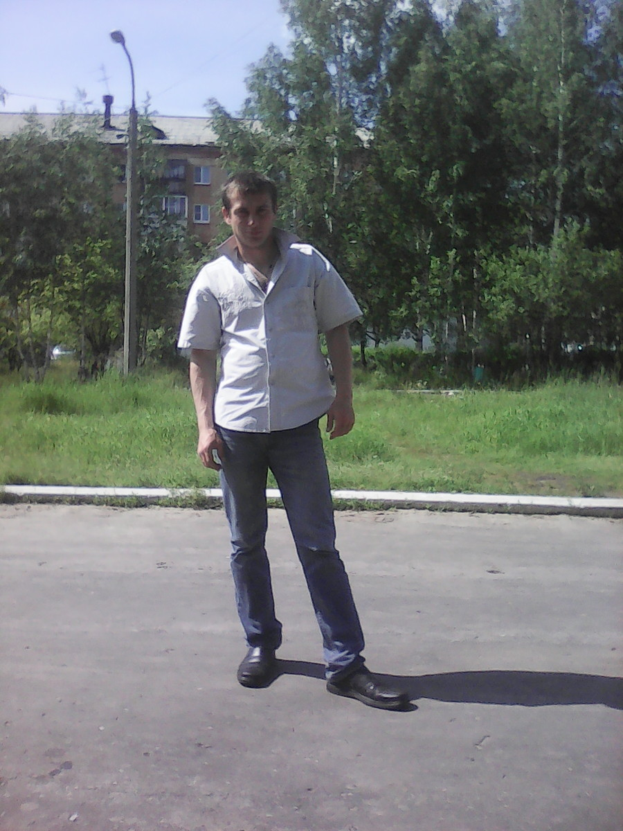 Знакомства Красноуральск, фото мужчины Сергей, 32 года, познакомится для флирта, любви и романтики, cерьезных отношений