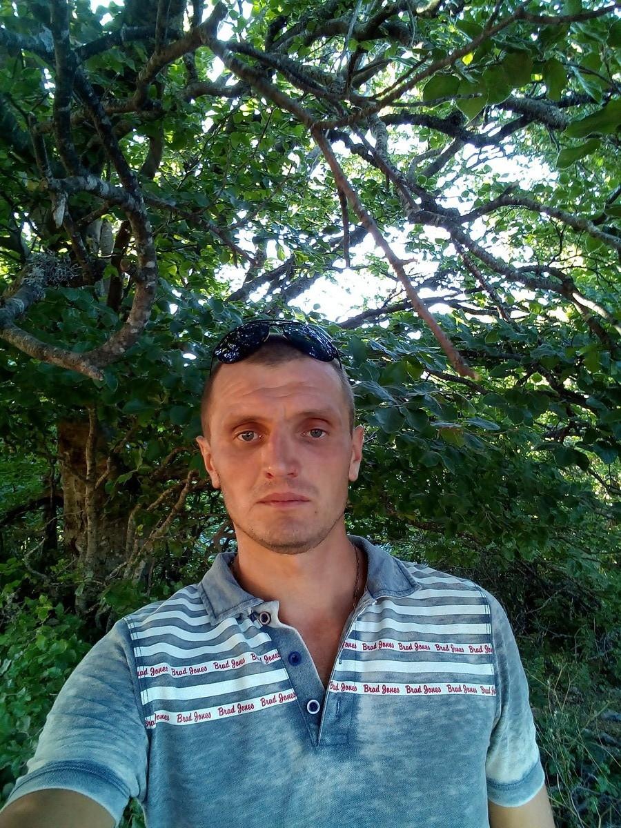 Знакомства Ялта, фото мужчины Александр, 35 лет, познакомится для флирта, любви и романтики, cерьезных отношений