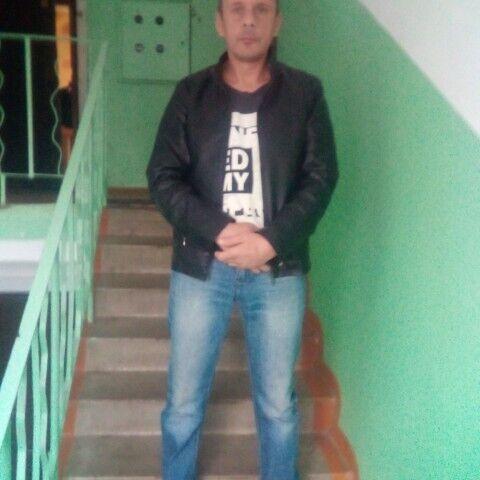 Знакомства Кимры, фото мужчины Дмитрий, 41 год, познакомится для флирта, любви и романтики