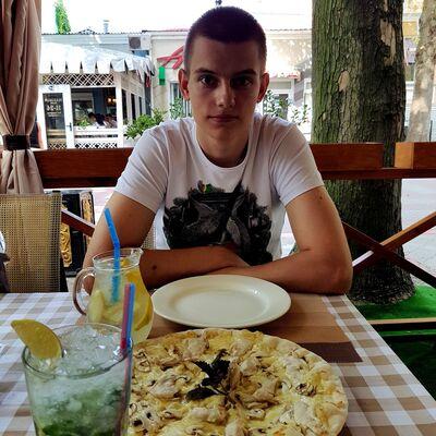 Фото мужчины Сергей, Керчь, Россия, 23