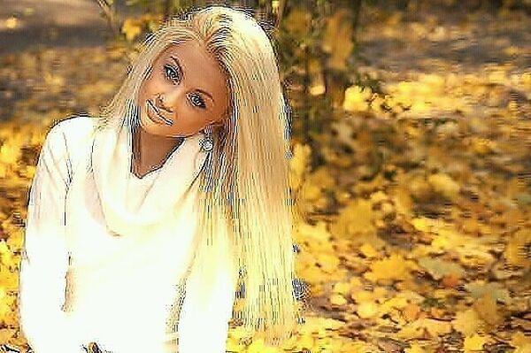 Фото девушек на аву в одноклассники блондинки без лица