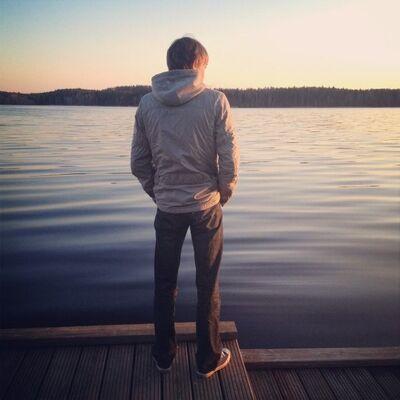 Фото парень со спины на аву